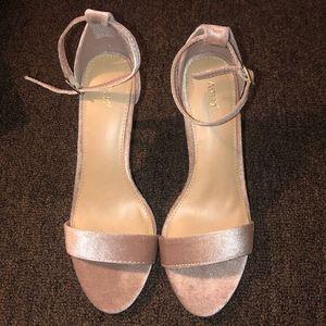 Apt.9 Apparfait Heeled Sandals NWB